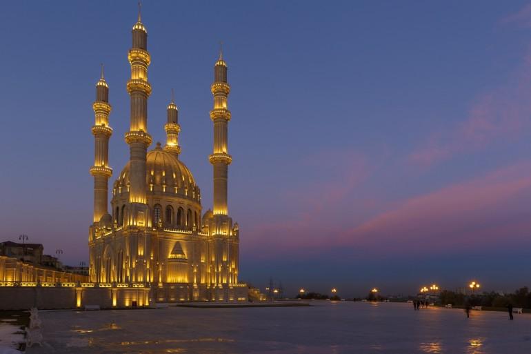 Baku image 4